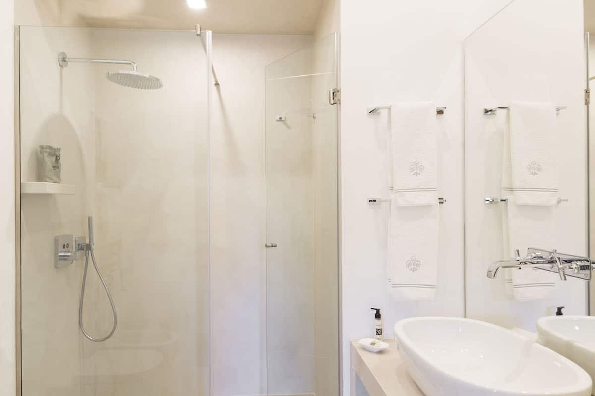 Corte Sole bathroom_U6A4280